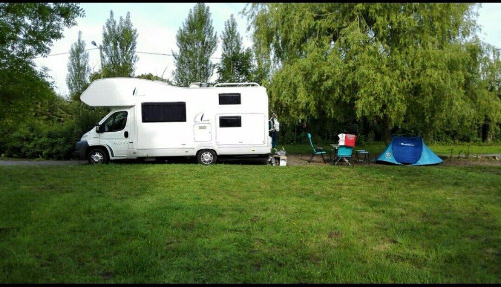 Aire camping-car à Calotterie (62170) - Photo 1